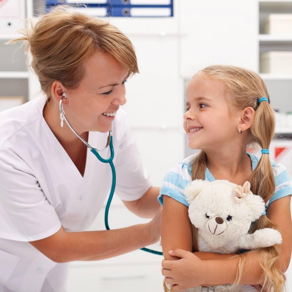 Dokter met kind